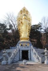 That's one big Buddha