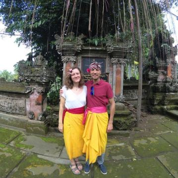 Visiting a temple and getting life advice from a mute woman